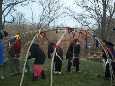 Building Ojibway Sweat Lodges.jpg